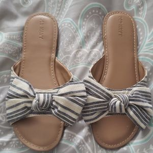 🚨Old Navy Bow Sandals🚨